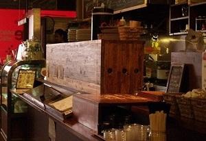 開店前のスタンダードブックストアのカフェ