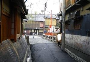 白川にかかる祇園巽橋