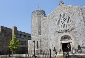 クィーンズ:カトリック教会と付属の学校(幼稚園~中学校)