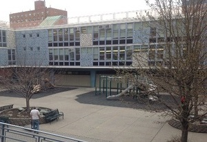 「NEST+m」の学校の様子